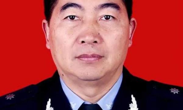 人民新闻网专访最美守护者刘鸿老师
